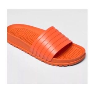 Limited edition hunter slides